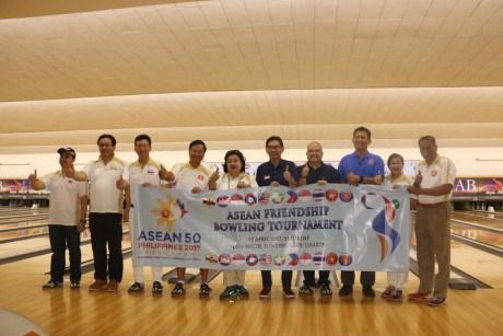 Echange sportif entre des ambassades des pays de l'ASEAN en Indonesie hinh anh 1