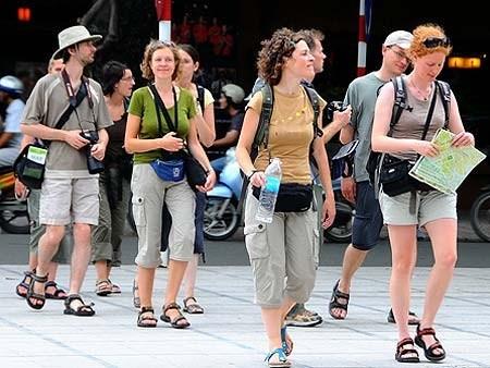 Hausse continue du nombre de touristes europeens au Vietnam hinh anh 1