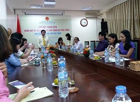 Le Fonds national pour les enfants vietnamiens souffle bientot ses 25 bougies hinh anh 1