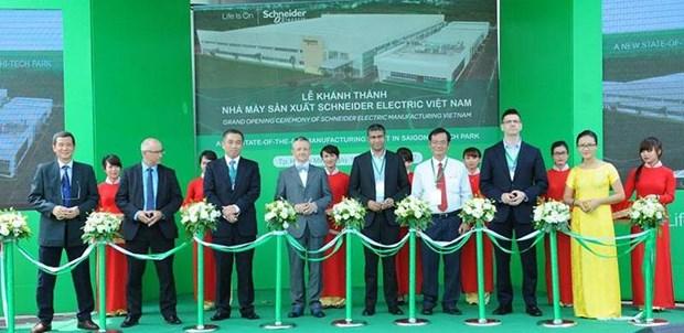 Schneider Electric inaugure sa nouvelle usine de 45 millions de dollars a HCM-Ville hinh anh 1