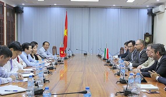 La Hongrie soutient le Vietnam dans la construction d'infrastructures hinh anh 1
