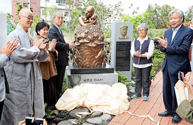 Inauguration de la statue « Pieta Viet Nam », une excuse sud-coreenne pour le Vietnam hinh anh 1