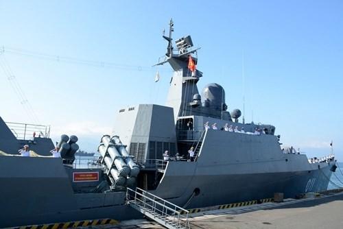 Des navires vietnamiens participent a des activites a Singapour et en Chine hinh anh 1