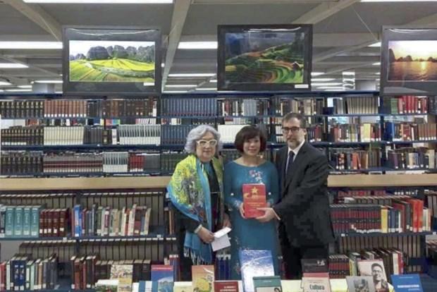 Mexique : exposition de photos et livres sur le Vietnam hinh anh 1