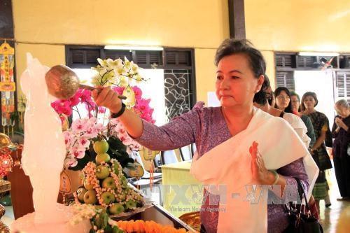 Diverses activites en l'honneur de l'anniversaire de la naissance du Bouddha hinh anh 1