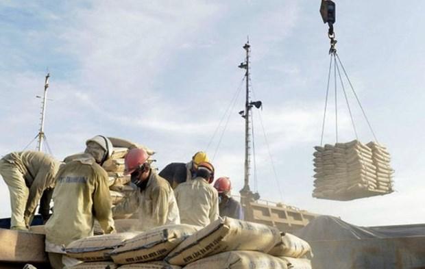 Exportations de plus de 6,7 millions de tonnes de ciment et de clinker hinh anh 1