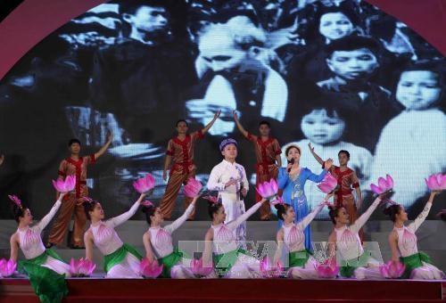 Activites celebrant le 127eme anniversaire du president Ho Chi Minh hinh anh 1