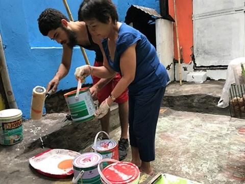 Un Americain redonne des couleurs a Hanoi hinh anh 2