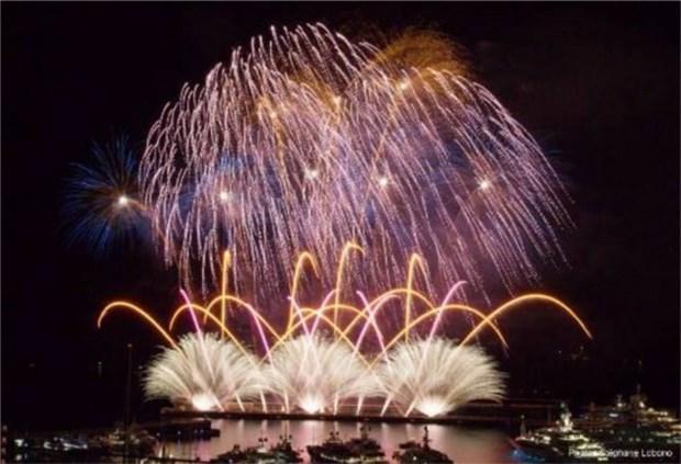 Fete spectaculaire au festival international de feux d'artifice de Da Nang hinh anh 1