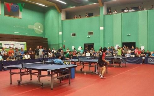 Tournoi d'amitie de ping-pong des Vietnamiens en Europe hinh anh 1