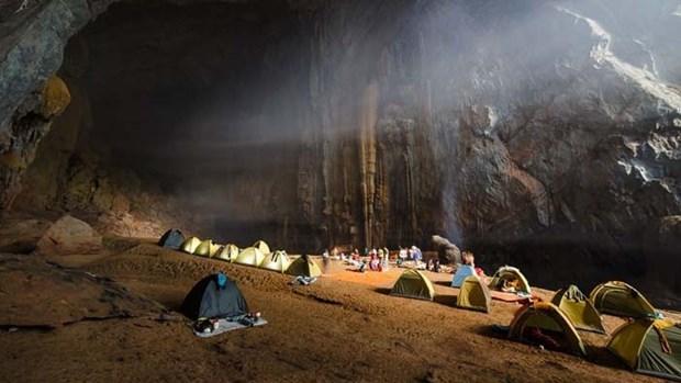 La grotte de Son Doong parmi les campings les plus impressionnants du monde hinh anh 1