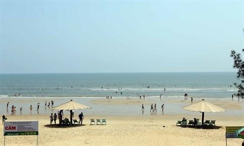 Nghe An et Ha Tinh abritent nombre de belles plages hinh anh 2