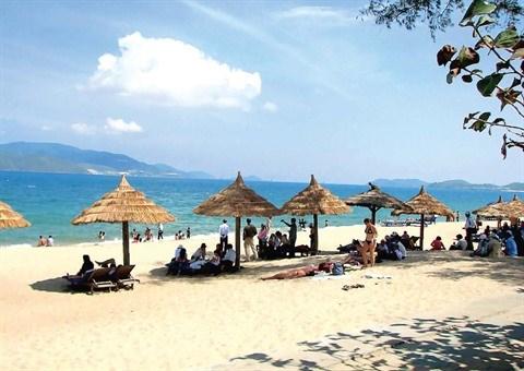 Bai Chay redefinit la notion de plage a Quang Ninh hinh anh 1
