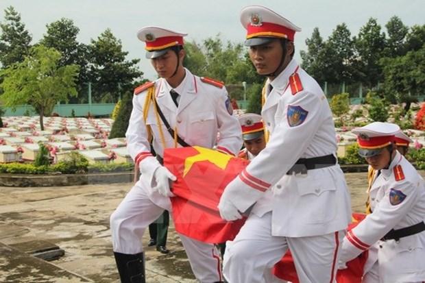 Rapatriement des restes de soldats et experts volontaires vietnamiens tombes au Cambodge hinh anh 1