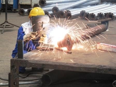 Un chantier naval roumain va recruter 300 travailleurs vietnamiens hinh anh 1