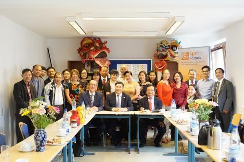 Le Vietnam lance un appel aux investisseurs allemands hinh anh 1