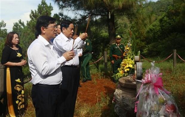 Hommage aux soldats tombes au champ d'honneur dans plusieurs localites hinh anh 1