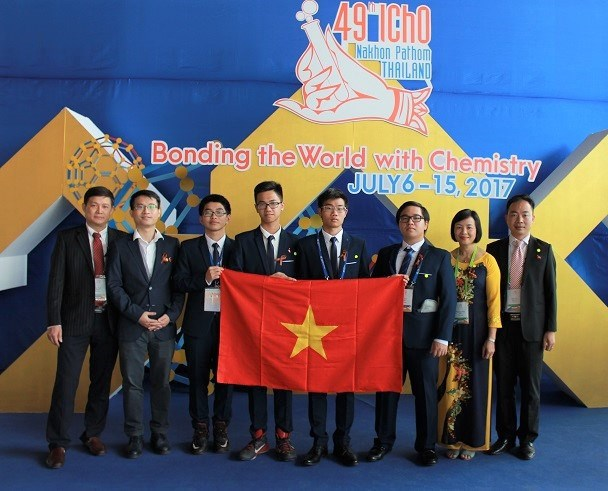 Le Vietnam brille aux Olympiades internationales de chimie 2017 hinh anh 1