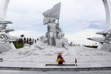 Aux heros morts pour la Patrie, le pays reconnaissant hinh anh 3
