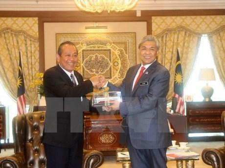 La Malaisie tient en haute estime ses relations avec le Vietnam hinh anh 1