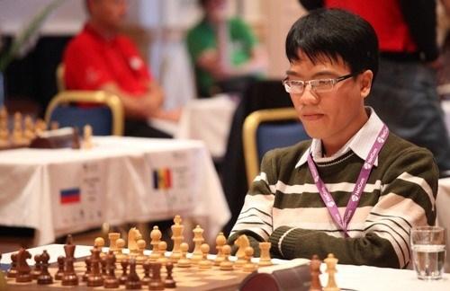 Le Quang Liem termine deuxieme du tournoi d'echecs de Danzhou hinh anh 1