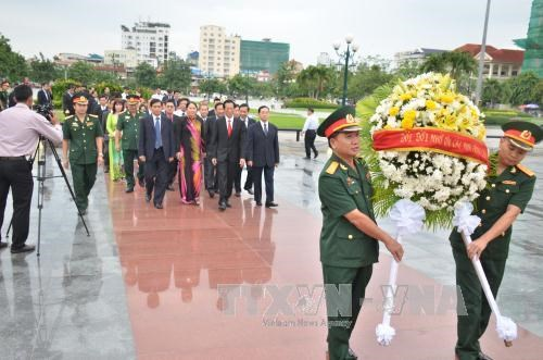 Hommage aux volontaires tombes au champ d'honneur au Cambodge hinh anh 1