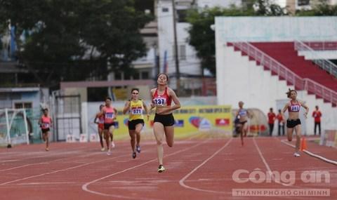 500 sportifs au meeting international d'athletisme de Ho Chi Minh-Ville elargi hinh anh 1
