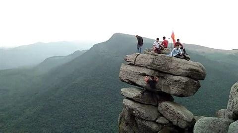 A la conquete du mont Da Chong a Quang Ninh hinh anh 1