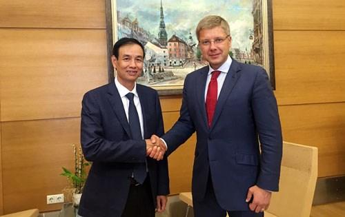 Hanoi veut renforcer les relations multisectorielles avec les pays europeens hinh anh 1