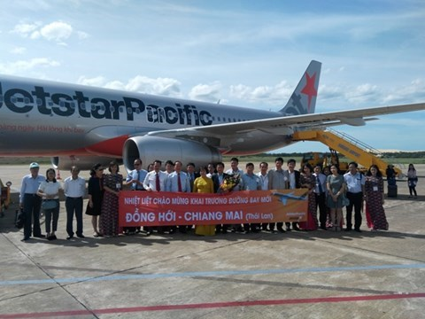 Jetstar Pacific inaugure une nouvelle ligne reliant Dong Hoi et Chiang Mai hinh anh 1