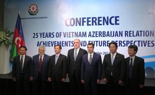 Seminaire sur 25 ans de relations Vietnam-Azerbaidjan hinh anh 1