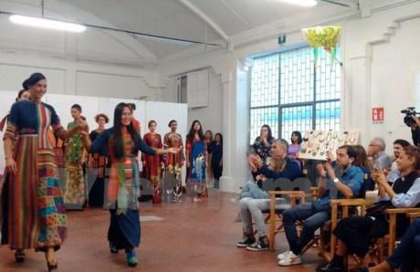 Les Journees culturelles du Vietnam a Venise, en Italie hinh anh 1