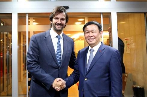 Le vice-Premier ministre Vuong Dinh Hue en Slovaquie hinh anh 1