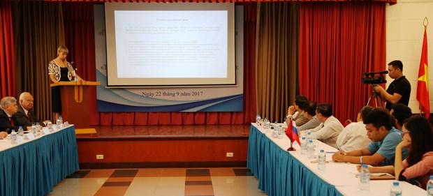 Colloque pour promouvoir les liens commerciaux entre le Vietnam et la Russie hinh anh 1