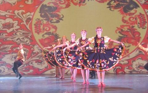 Cloture du Festival international de danse 2017 a Ninh Binh hinh anh 1
