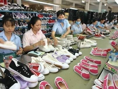 Chaussures et sandales en tete des produits vietnamiens exportes en Argentine hinh anh 1