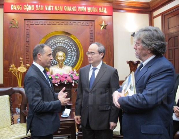Ho Chi Minh-Ville et la France cooperent dans les transports et le developpement urbain hinh anh 1