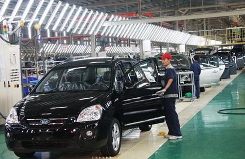 Automobile: un marche vietnamien toujours aussi morose hinh anh 1