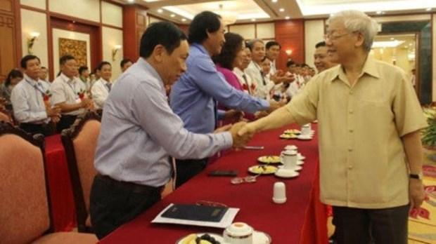 Le chef du Parti rencontre des agriculteurs exemplaires hinh anh 1