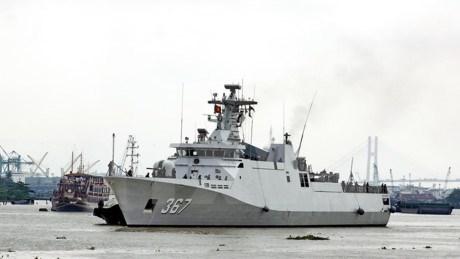 Deux corvettes de la Marine indonesienne en visite a HCM-Ville hinh anh 1