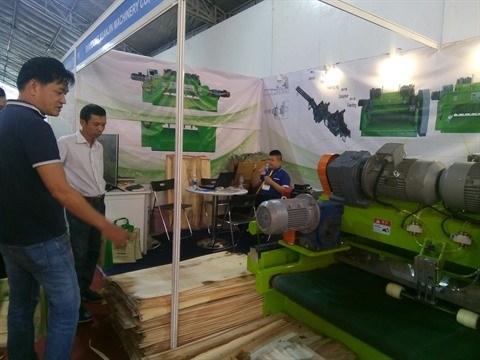 Bois : une dizaine d'entreprises francaises presentes a VietnamWood 2017 hinh anh 1