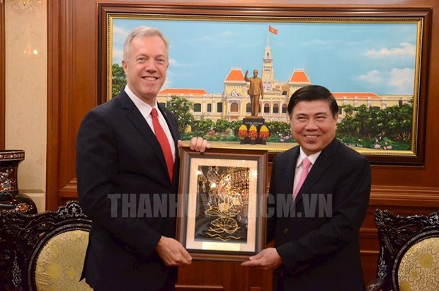 L'ambassadeur des Etats-Unis prend conge du dirigeant de HCM-Ville hinh anh 1