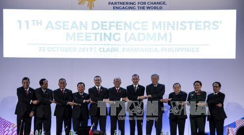 ASEAN : les ministres de la Defense appellent la RPDC a renouer le dialogue hinh anh 1