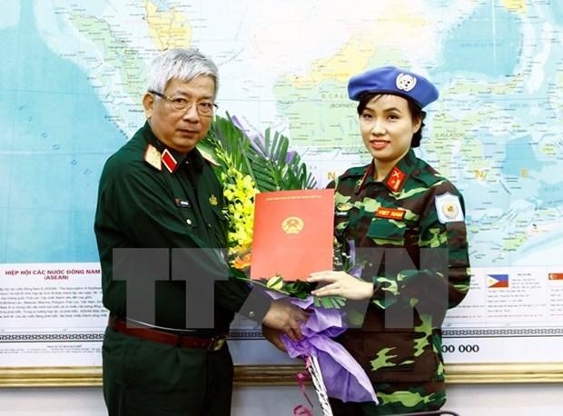 La premiere femme soldat vietnamienne aux operations onusiennes de maintien de la paix hinh anh 1