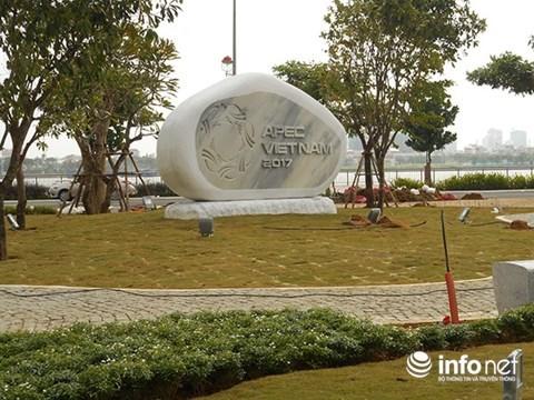 Installation de statues des economies membres de l'APEC a Da Nang hinh anh 2