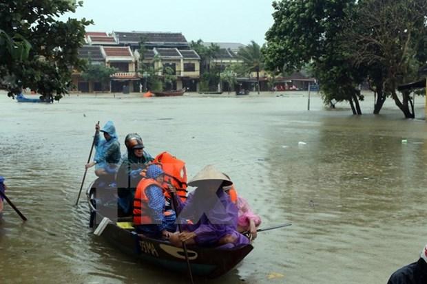 Inondations au Centre : 63 morts et disparus hinh anh 1