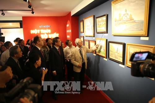 Un peintre vietnamien expose ses tableaux sur la periode sovietique hinh anh 1