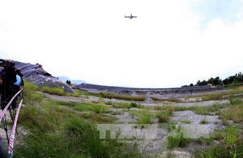 Decontamination de l'aeroport de A Luoi par les technologies micro-organiques hinh anh 1