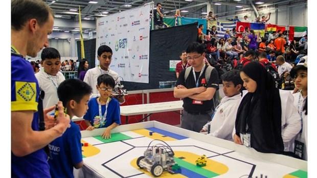 Une equipe vietnamienne s'illustre dans le Top 10 de l'Olympiade mondiale des robots WRO 2017 hinh anh 1