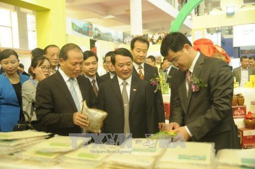 Des contrats de plus de 258 millions d'USD signes a la foire commerciale Vietnam-Chine hinh anh 1